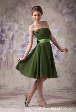 Olive Green Strapless Pleated Knee-length Maid of Honor Dress with Sash