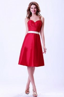 Wine Red Chief Bridesmaid Dress with White Belt Knee-length
