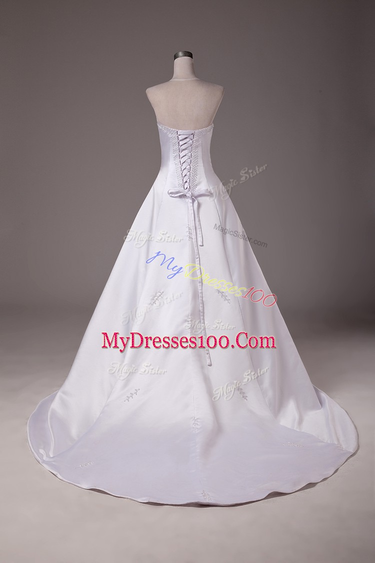Dazzling White Ball Gowns Beading Bridal Gown Lace Up Taffeta Sleeveless