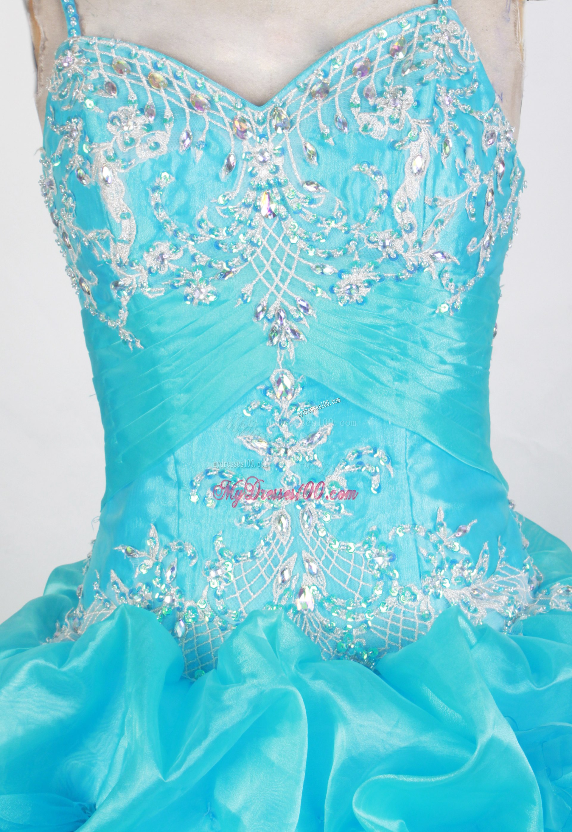 Straps Diamond Appliques and Pick-ups Decorated Sweet 15 Dresses