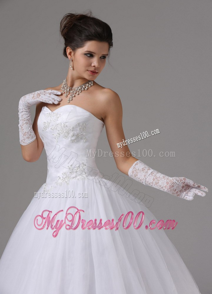 Lace up back sweetheart puffy dress for wedding with for Puffy wedding dresses with diamonds