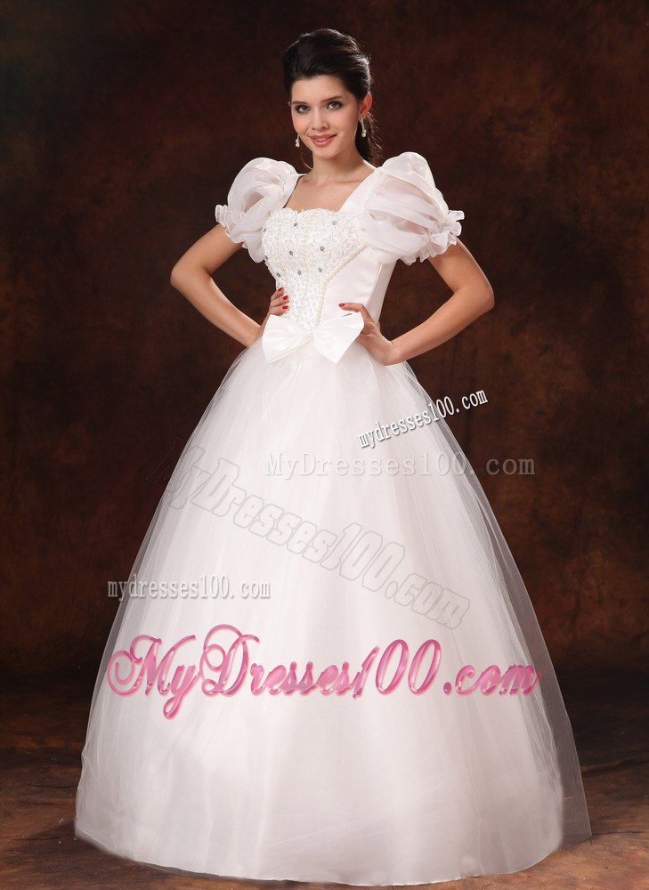 Diamonds and bowknot decorated wedding gown with puffy for Puffy wedding dresses with diamonds